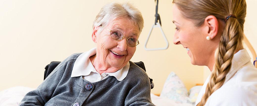 Ausgebildete Pflegekräfte aus Osteuropa sind versorgen Ihre Angehörigen liebevoll und fürsorglich im vertrauten zu Hause.
