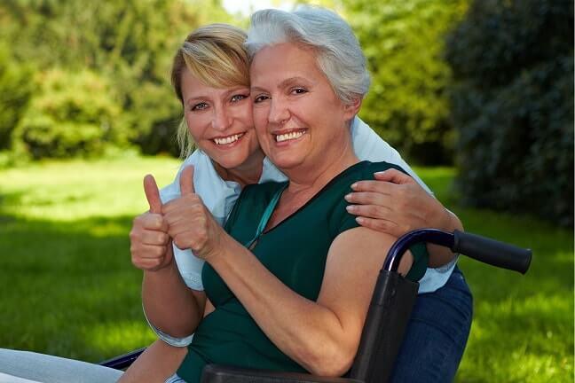 Polnische Altenpflege ist eine professionelle Alternative zum Pflegeheim. Erfahrene und qualifizierte polnische Pflegekräfte versorgen Sie bedarfsgerecht bei der Altenpflege aus Polen.